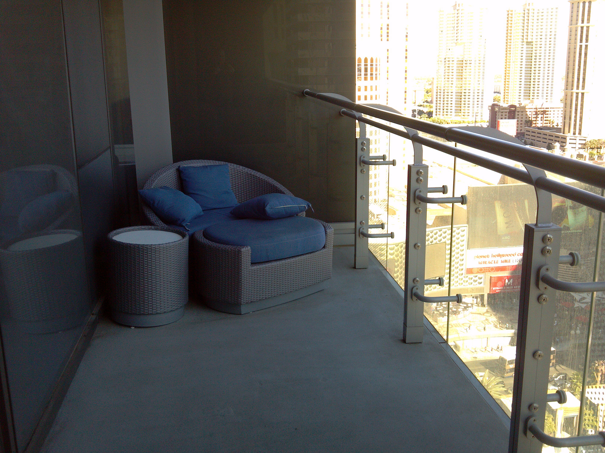 The cosmopolitan mark 39 s las vegas for Terrace one bedroom cosmopolitan